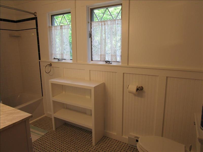 Eyrie 2nd Floor Bathroom 1.1